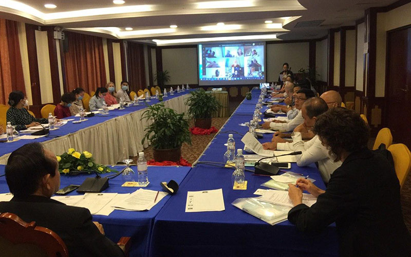 the first steering committee meeting in Phnom Penh to discuss the SEALAB project